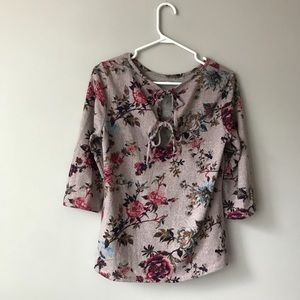 🌸 Floral 3/4 sleeve tie back top